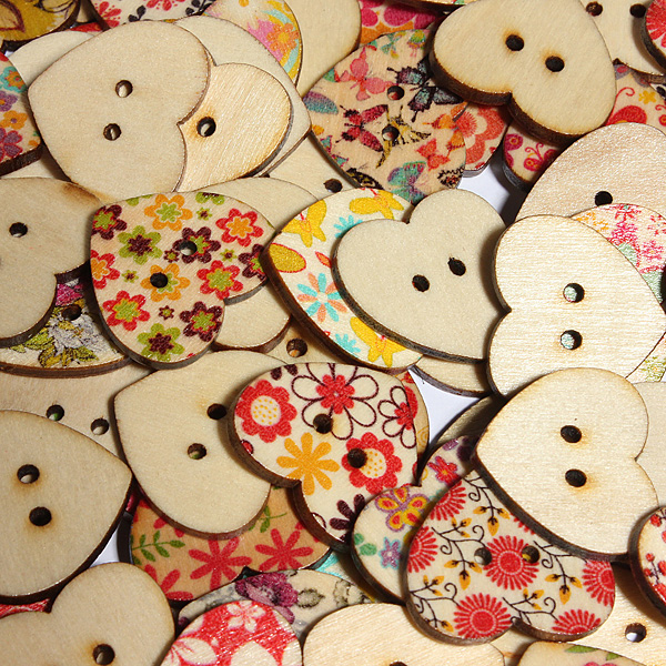 100Pcs Flora Mixed Wooden Heart Buttons Sewing Craft Two Holes Buttons