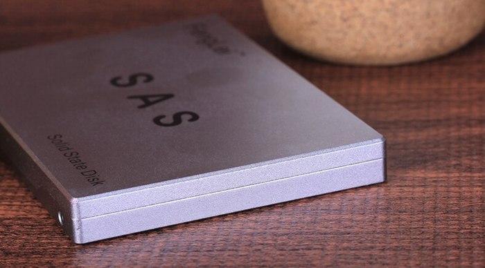 FengLei 2.5 Inch SAS 240GB SSD F9016 FLD01E16240MC Solid State Drive